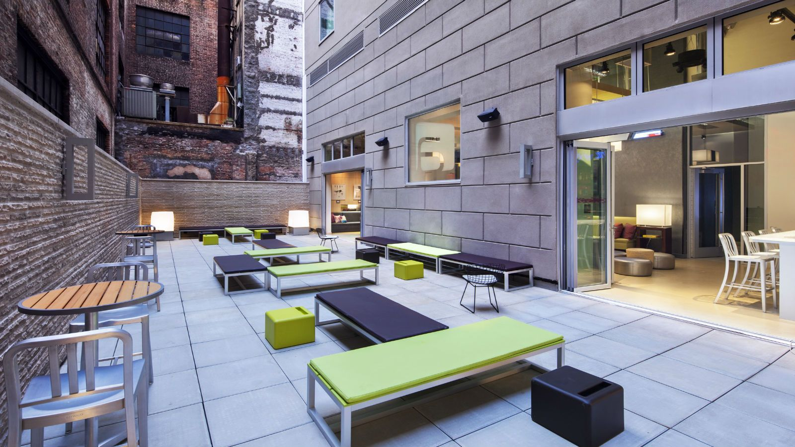 Manhattan Meeting Space - Backyard Bar